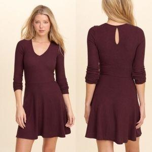 Hollister Long-Sleeve Soft Skater Dress Black size xs